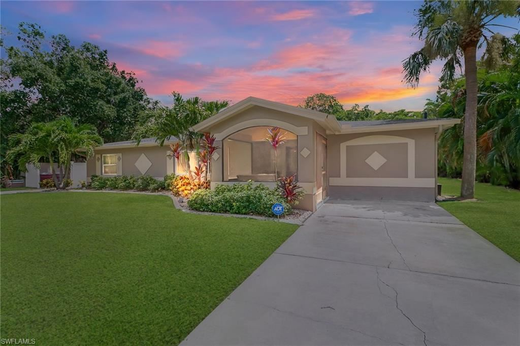 1362 Miracle Lane, Fort Myers, FL 33901 - #: 221061121