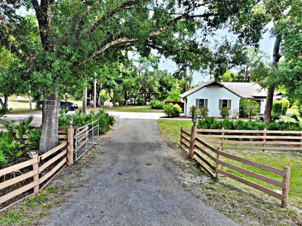 17990 Leetana Road, North Fort Myers, FL 33917 - #: 221038126