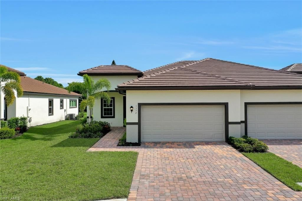 1152 S Town And River Drive, Fort Myers, FL 33919 - #: 220055132