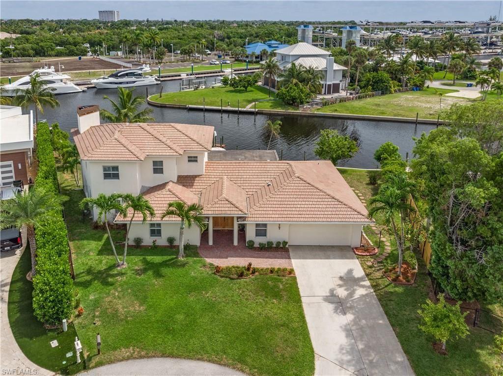 109 Montrose Drive, Fort Myers, FL 33919 - #: 221044177