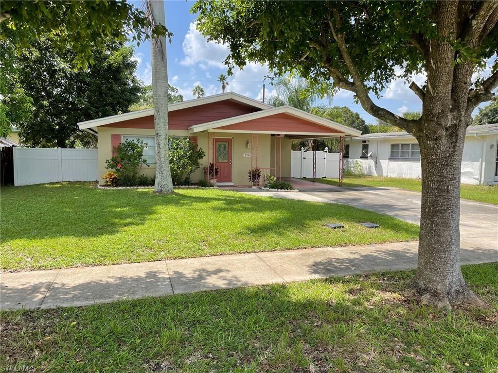 3928 La Palma Street, Fort Myers, FL 33901 - #: 221065183