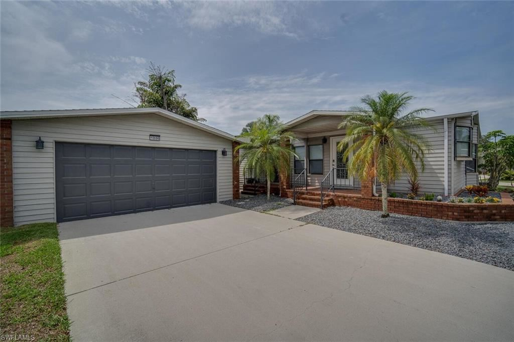 10696 Timber Pines Court, North Fort Myers, FL 33903 - #: 221030189