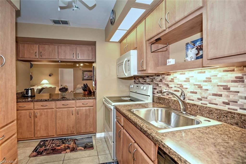 14920 SUMMERLIN WOODS Drive #3, Fort Myers, FL 33919 - #: 220040198