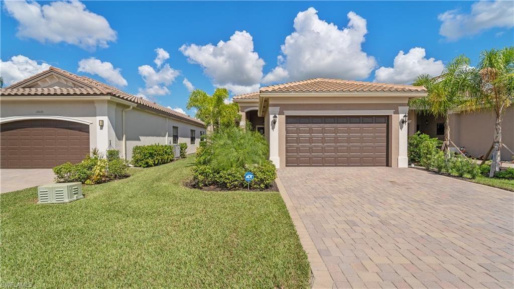 11616 Meadowrun Circle, Fort Myers, FL 33913 - #: 221073215