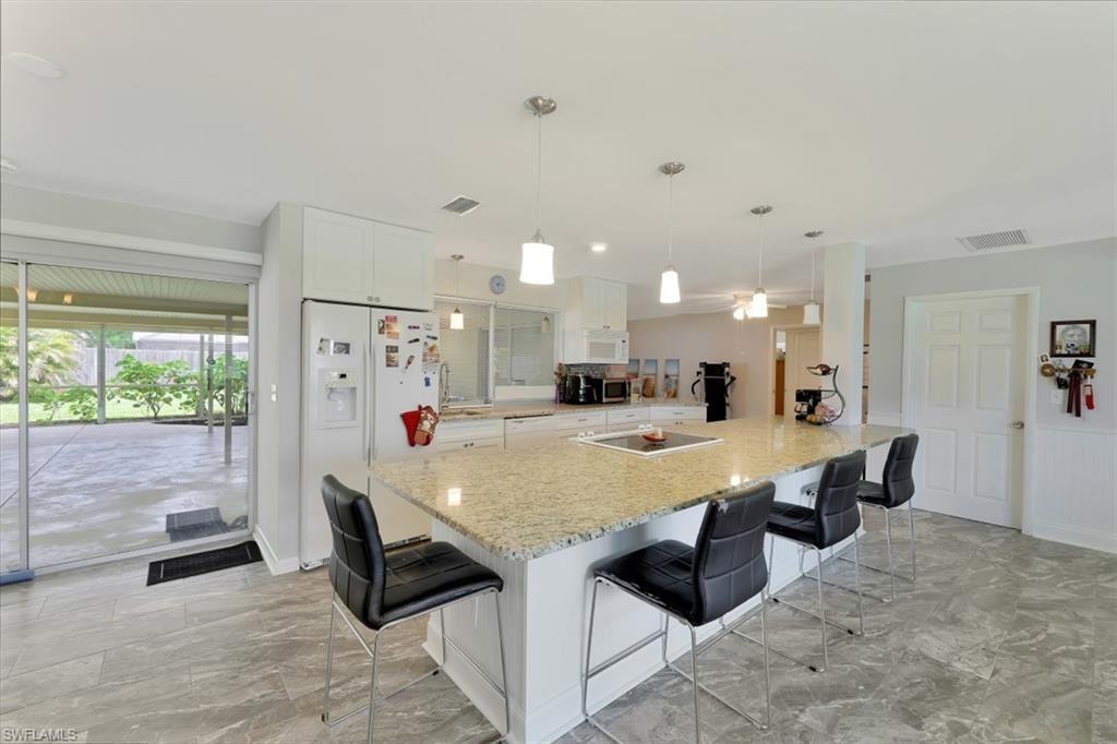 4002 SE 3rd Avenue, Cape Coral, FL 33904 - #: 220052245