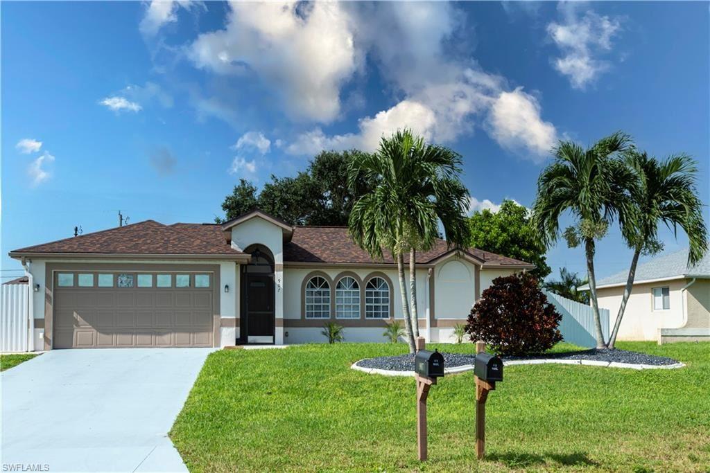 907 NE 10th Lane, Cape Coral, FL 33909 - #: 221066245