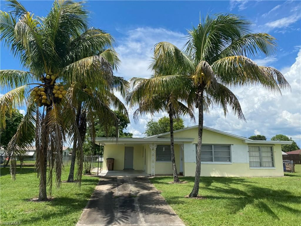1413 Kimdale Street E, Lehigh Acres, FL 33936 - #: 220049258
