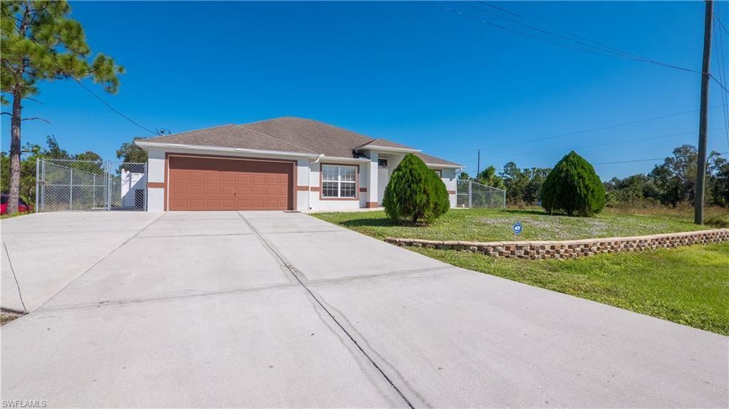 957 Hunter Street E, Lehigh Acres, FL 33974 - #: 220070259