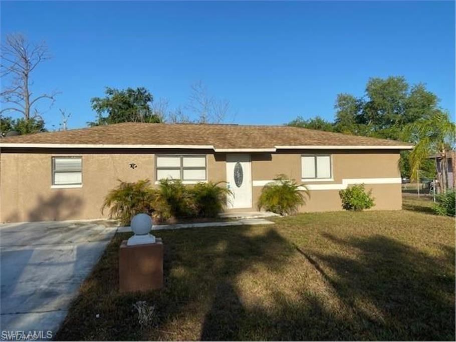 422 Valley Drive, Lehigh Acres, FL 33936 - #: 221056266