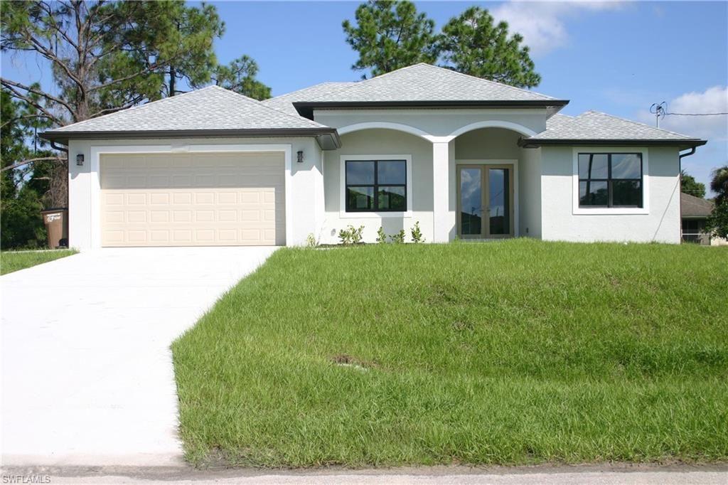 2802 33rd Street W, Lehigh Acres, FL 33971 - #: 220067272
