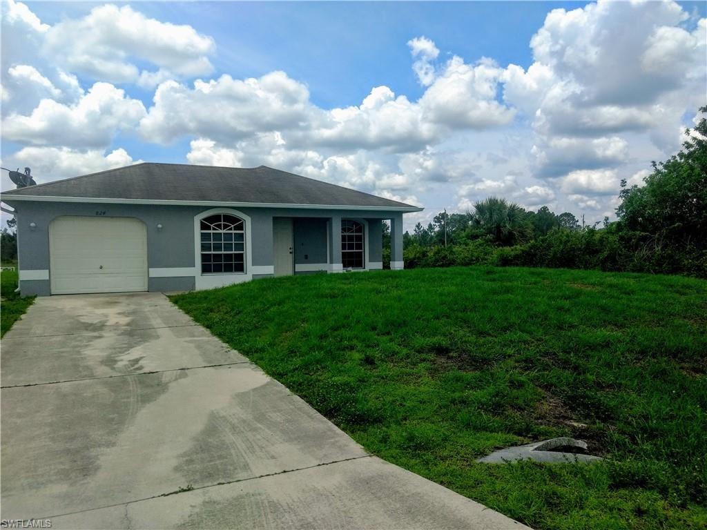 824 Lamar Street E, Lehigh Acres, FL 33974 - #: 220035291