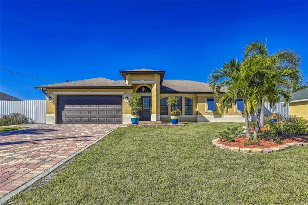 1205 SW 11th Terrace, Cape Coral, FL 33991 - #: 220067316