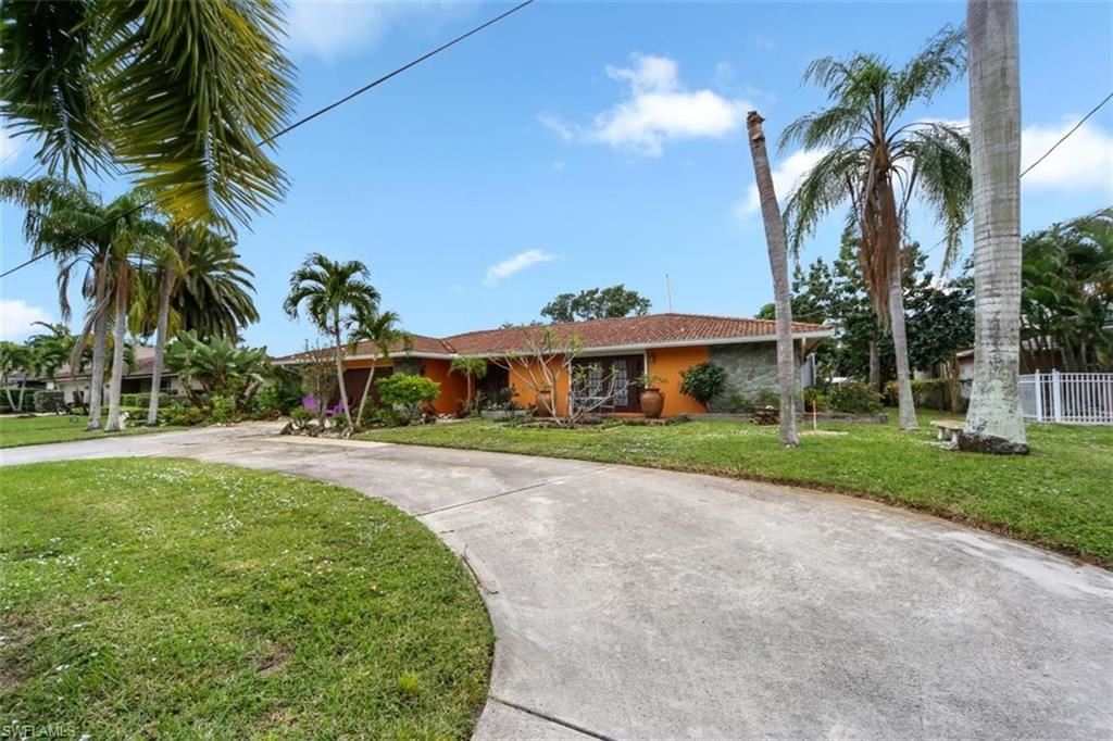 1000 N Town And River Drive, Fort Myers, FL 33919 - #: 220063317