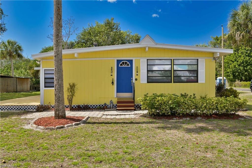 8500 Judeth Lane, Estero, FL 33928 - #: 221014318