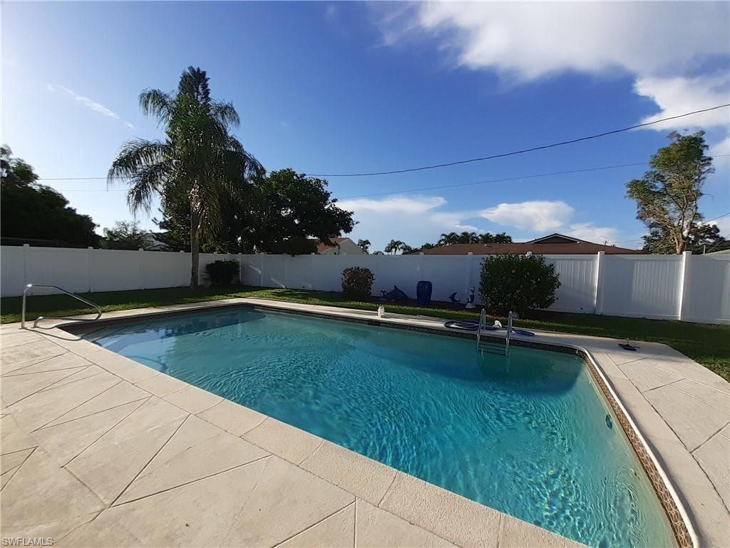 924 SE 18th Terrace, Cape Coral, FL 33990 - #: 220075347