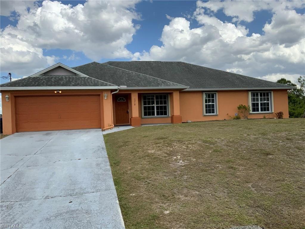 1218 Oak Avenue, Lehigh Acres, FL 33972 - #: 221025360