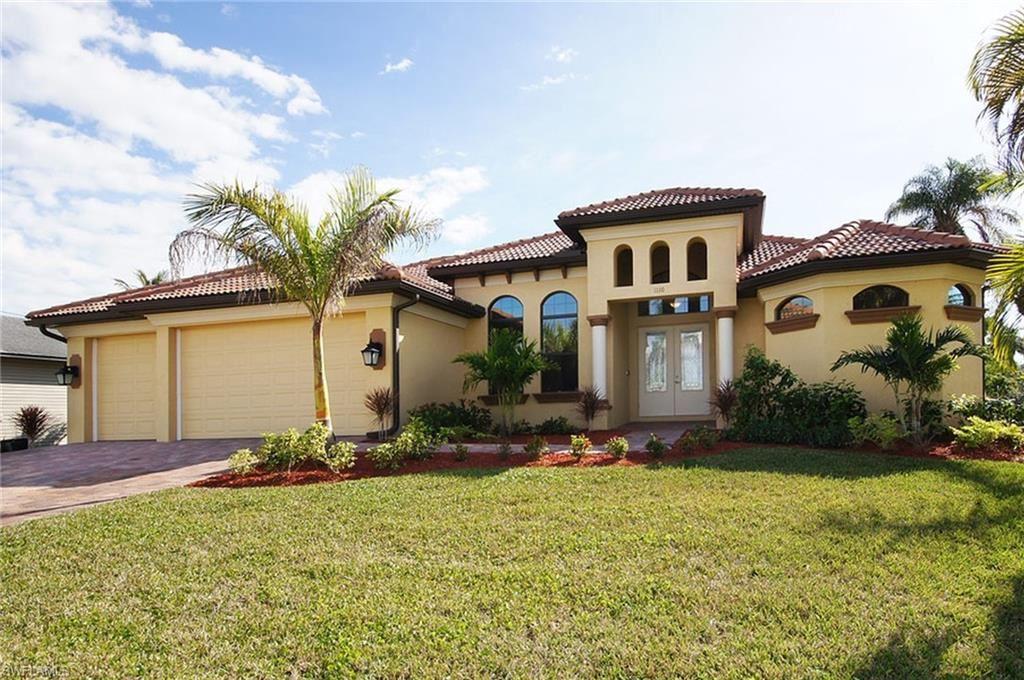 1110 Lincoln Court, Cape Coral, FL 33904 - #: 220052364