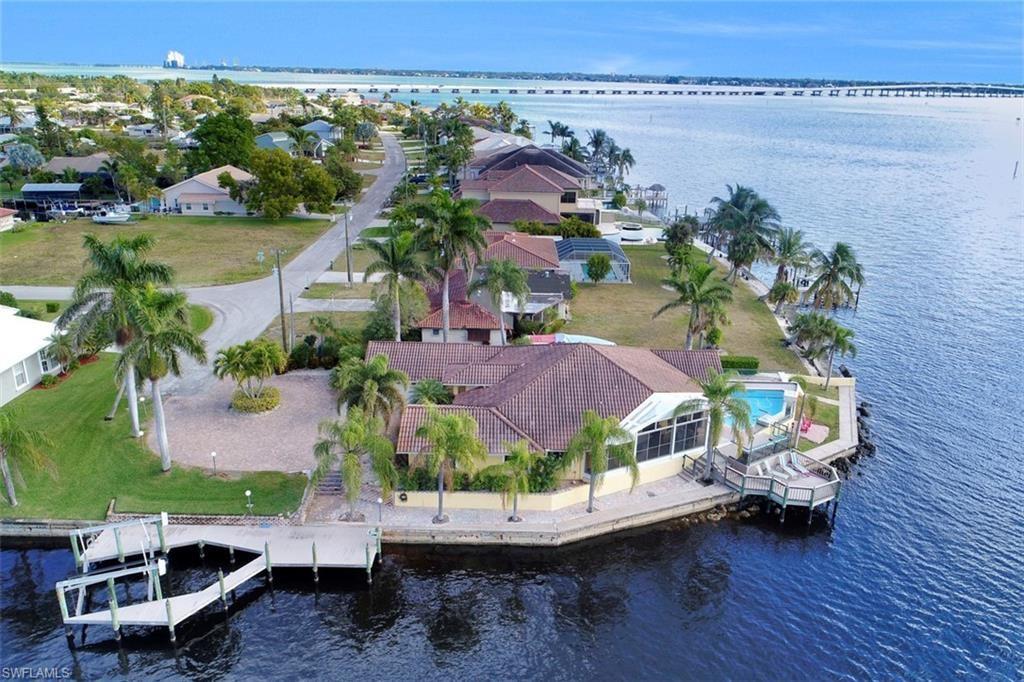 2402 SE 28th Street, Cape Coral, FL 33904 - #: 220055369