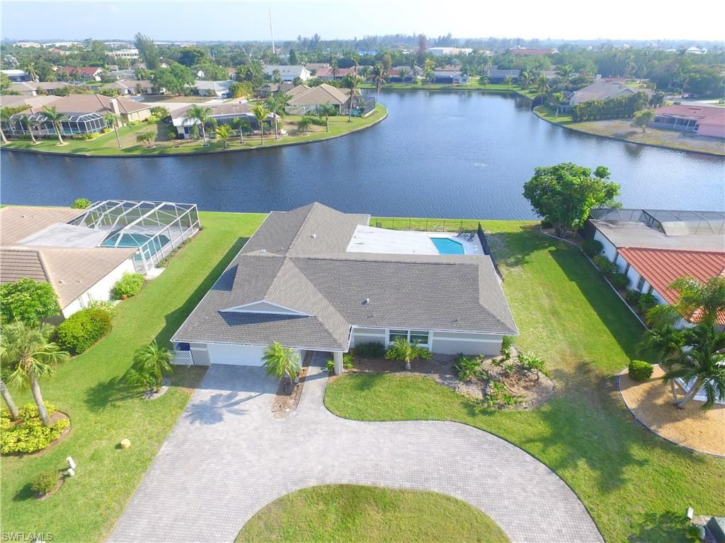 922 S Town And River Drive, Fort Myers, FL 33919 - #: 221052380