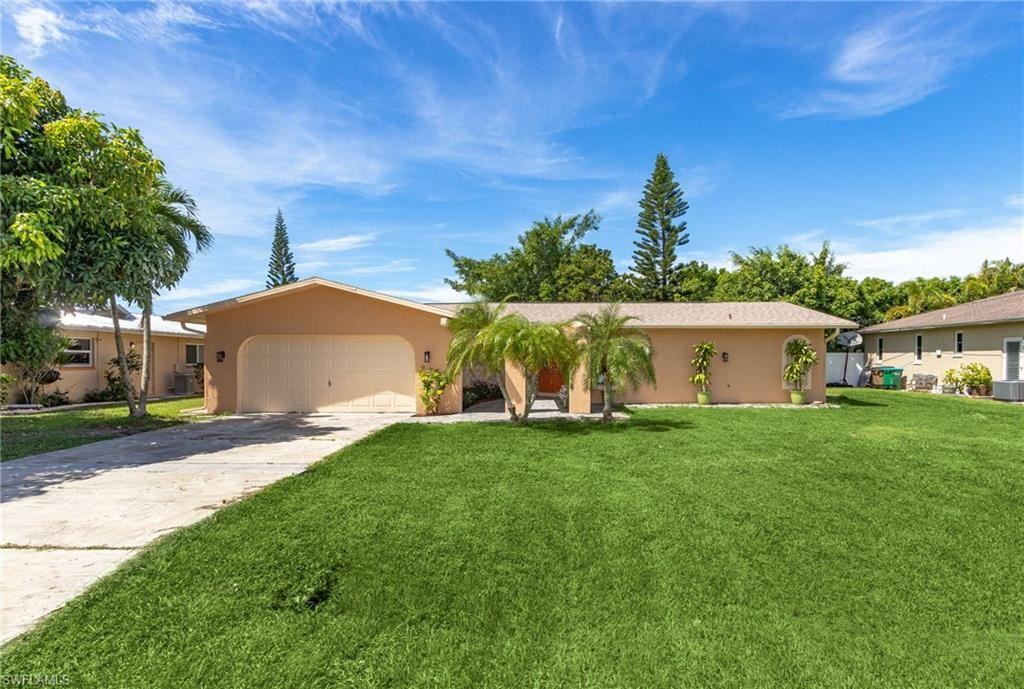 4208 SE 1st Court, Cape Coral, FL 33904 - #: 220063383