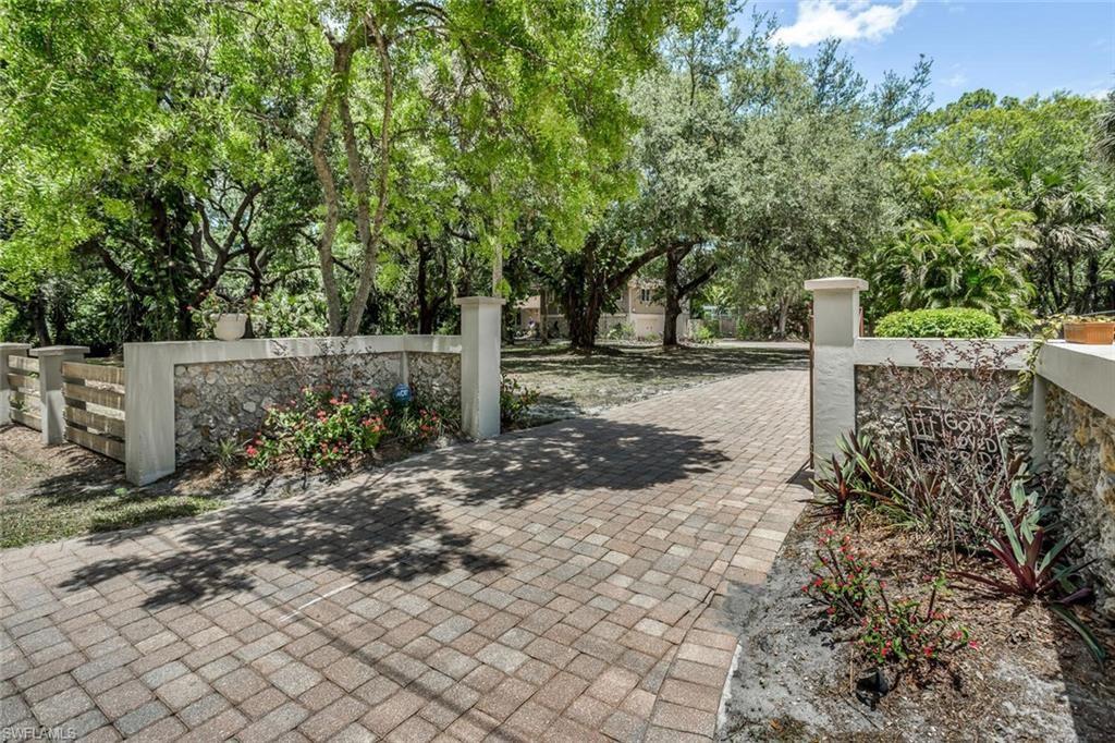 4251 Woodbrier Drive, Fort Myers, FL 33905 - #: 221035384