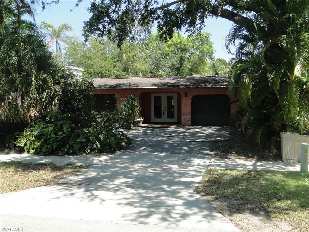 1383 Gasparilla Drive, Fort Myers, FL 33901 - #: 221028401
