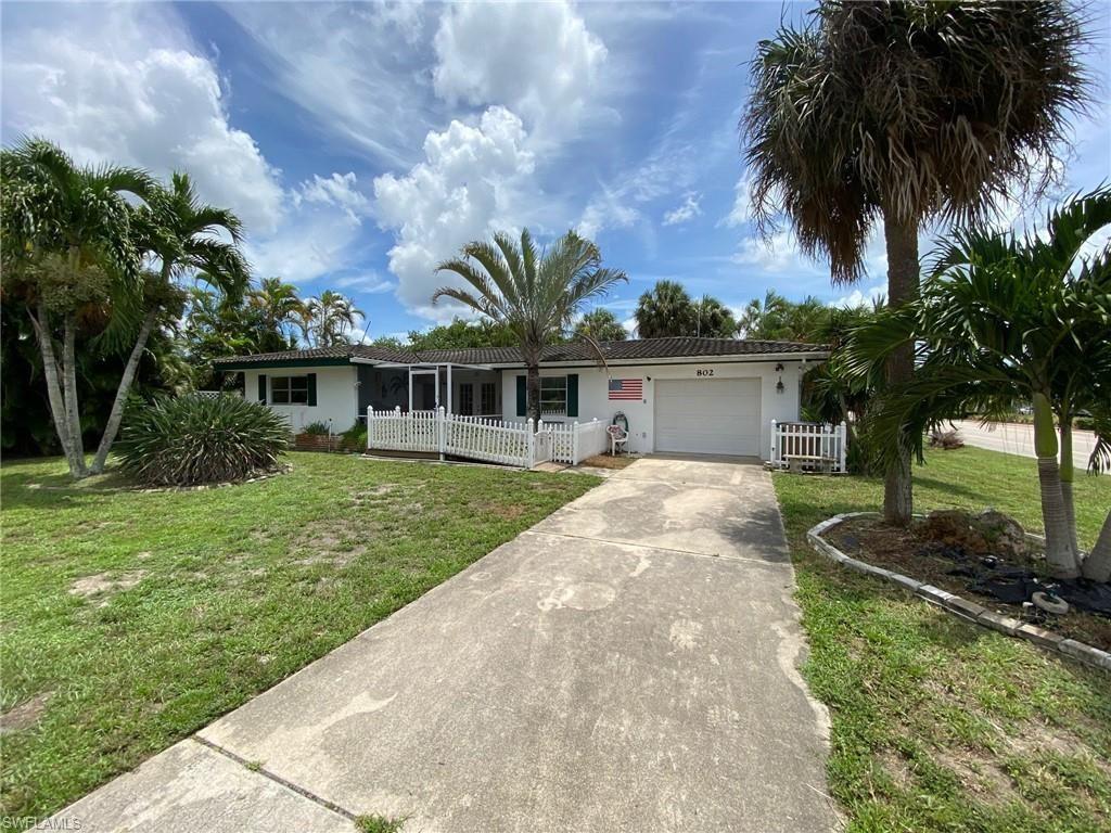 802 El Dorado Parkway E, Cape Coral, FL 33904 - #: 220046409