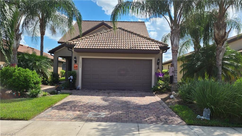 10959 Clarendon Street, Fort Myers, FL 33913 - #: 221069415