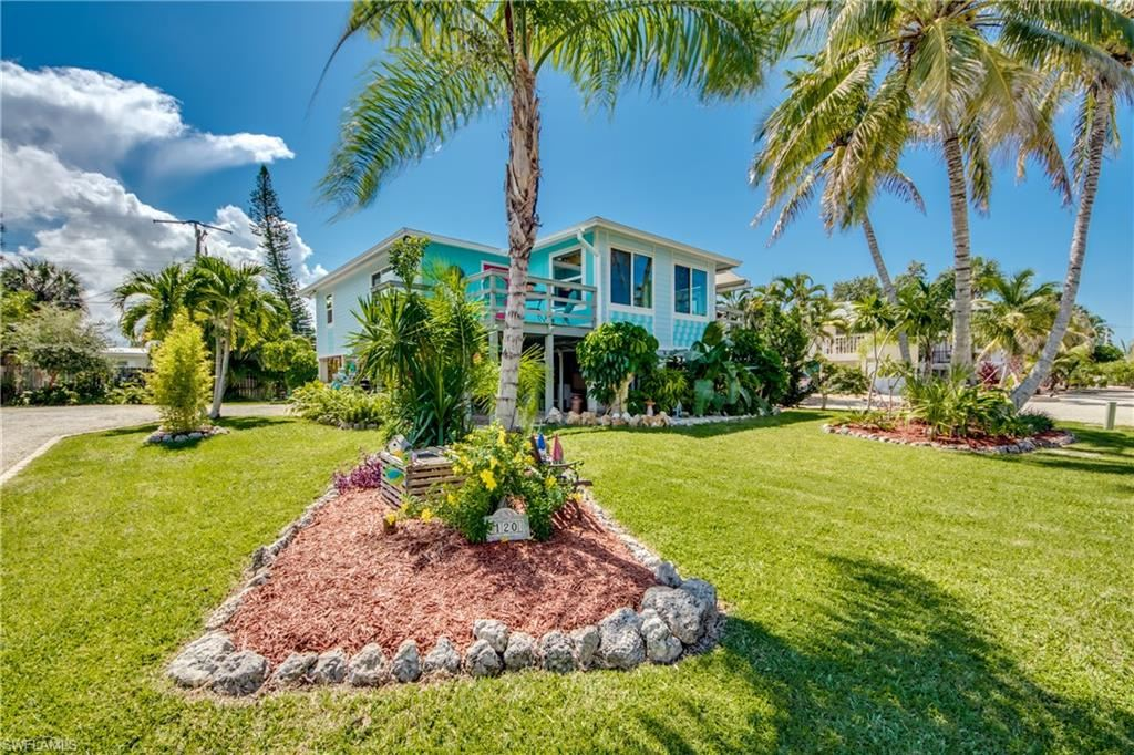 120 Bay Mar Drive, Fort Myers Beach, FL 33931 - #: 221066421
