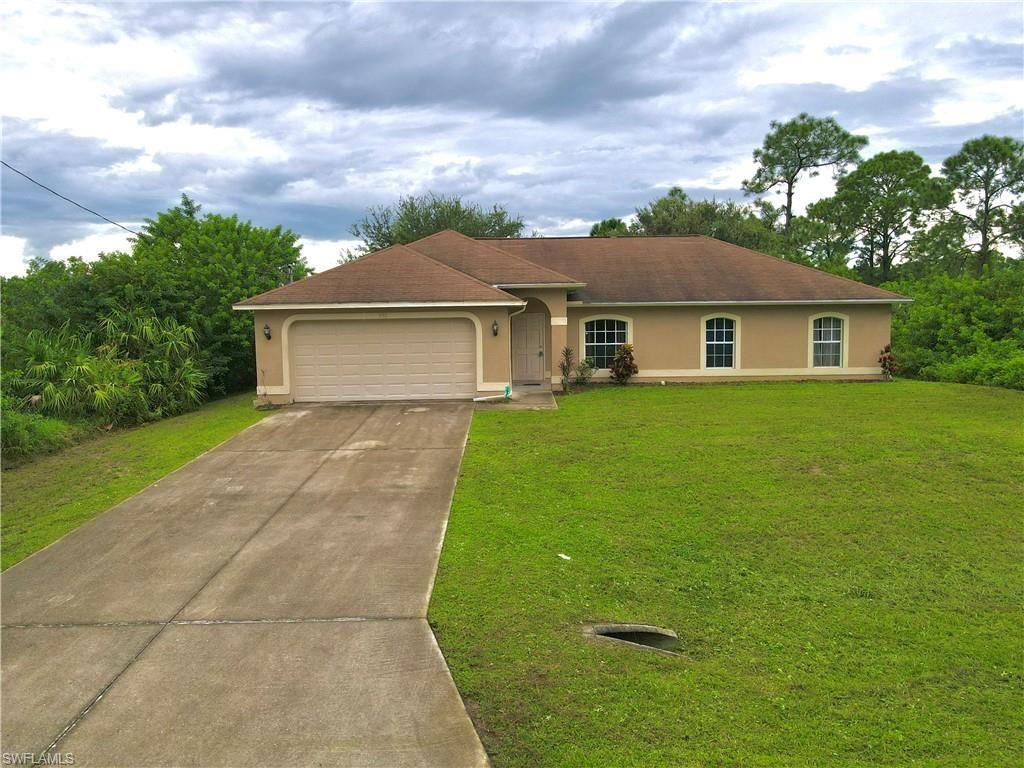 938 Graystone Avenue, Lehigh Acres, FL 33974 - #: 221055429