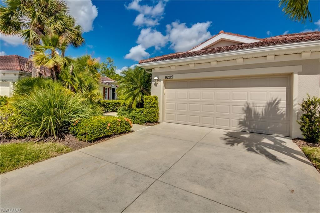 9209 Aviano Drive, Fort Myers, FL 33913 - #: 221074433