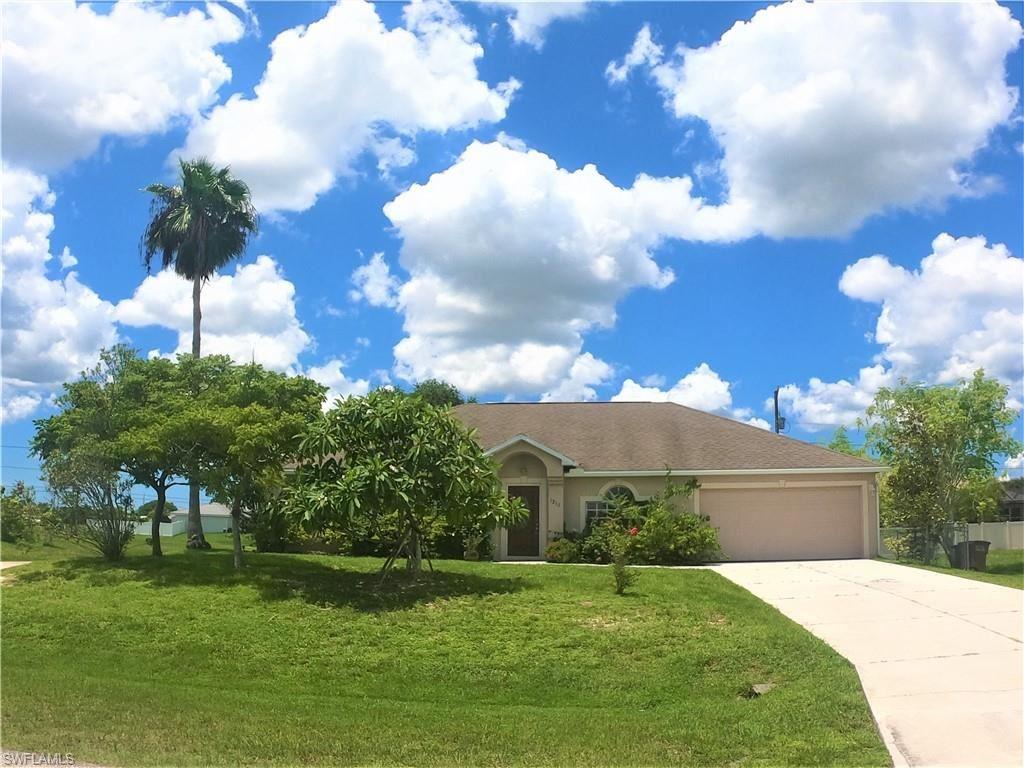 1218 NE 2nd Place, Cape Coral, FL 33909 - #: 221040440