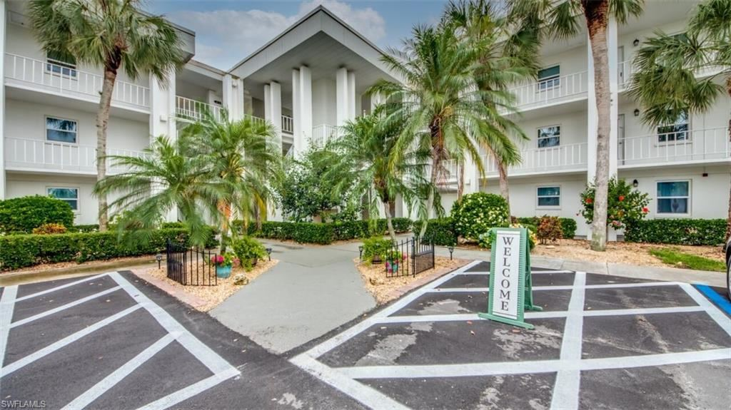 1724 Pine Valley Drive #216, Fort Myers, FL 33907 - #: 221033444