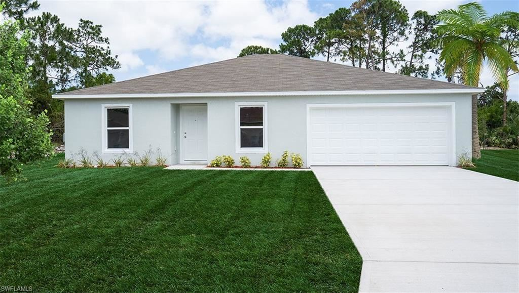 58 Floyd Avenue S, Lehigh Acres, FL 33976 - #: 220047449