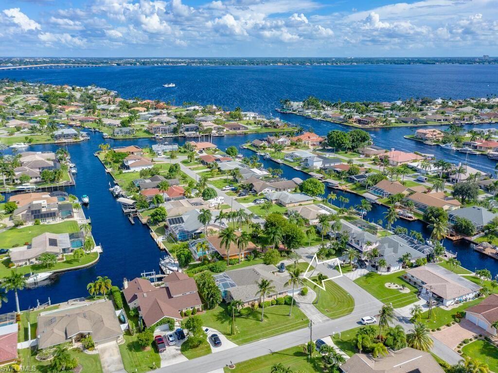 2021 SE 27th Terrace, Cape Coral, FL 33904 - #: 220066454