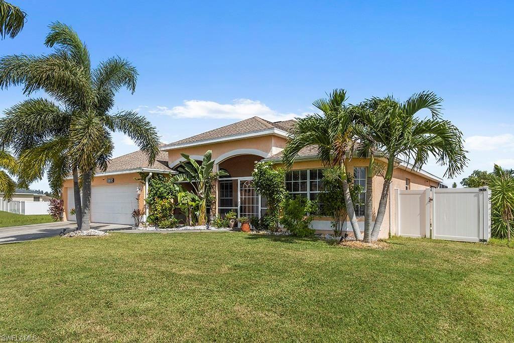 1735 NW 17th Terrace, Cape Coral, FL 33993 - #: 221059473
