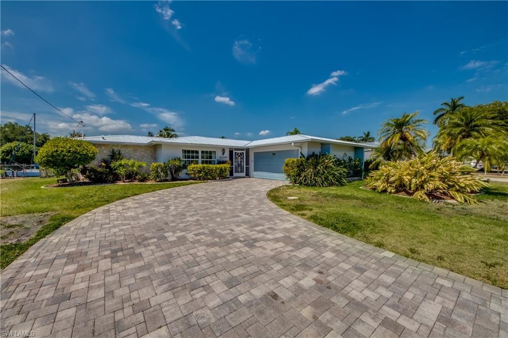 1649 Swan Terrace, North Fort Myers, FL 33903 - #: 221038496