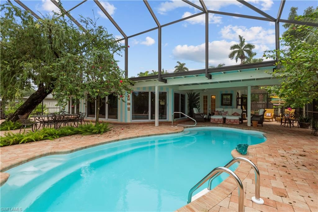 10230 Mcgregor Boulevard, Fort Myers, FL 33919 - #: 221046498