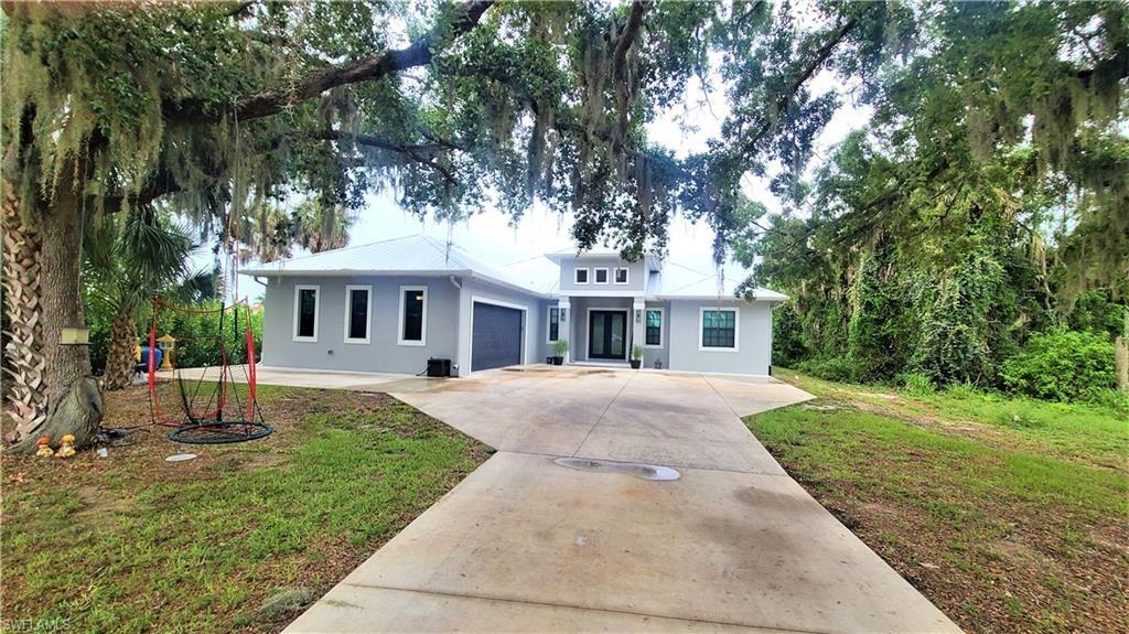 1646 Pangola Drive, North Fort Myers, FL 33903 - #: 221045552