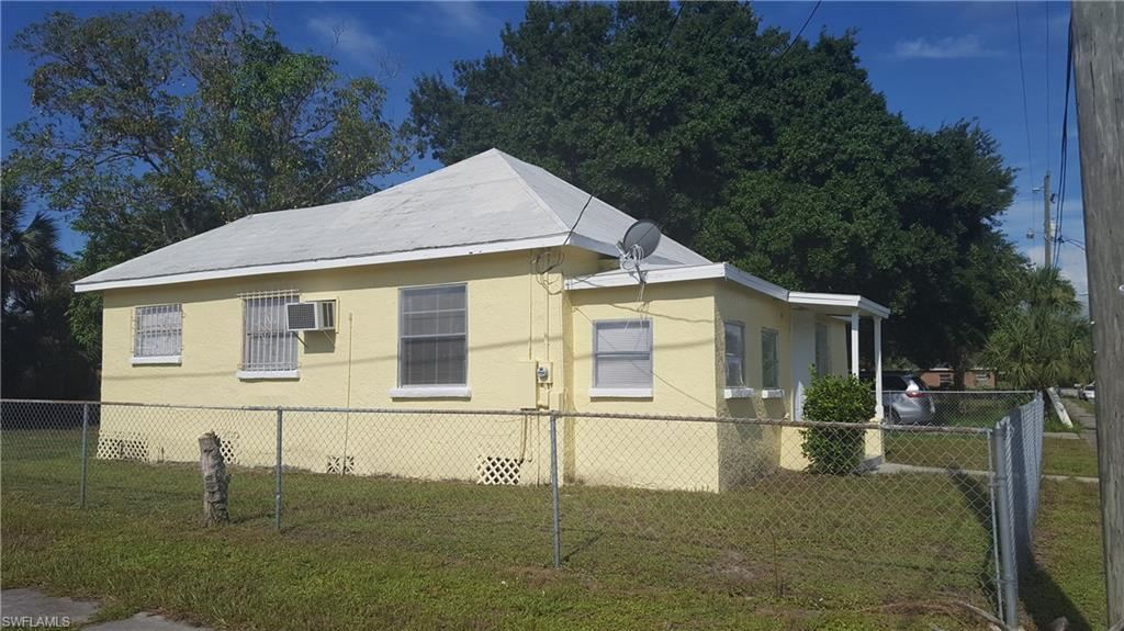 2996 Douglas Avenue, Fort Myers, FL 33916 - #: 220045561