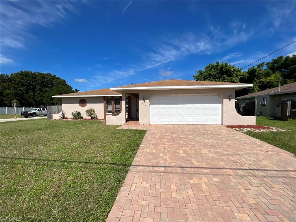 1303 SE 14th Terrace, Cape Coral, FL 33990 - #: 221069568