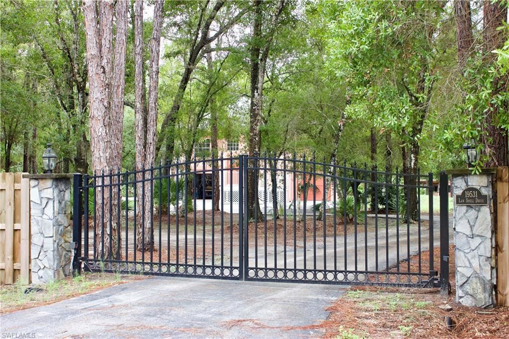 19531 Lan Shell Drive, North Fort Myers, FL 33917 - #: 220037582