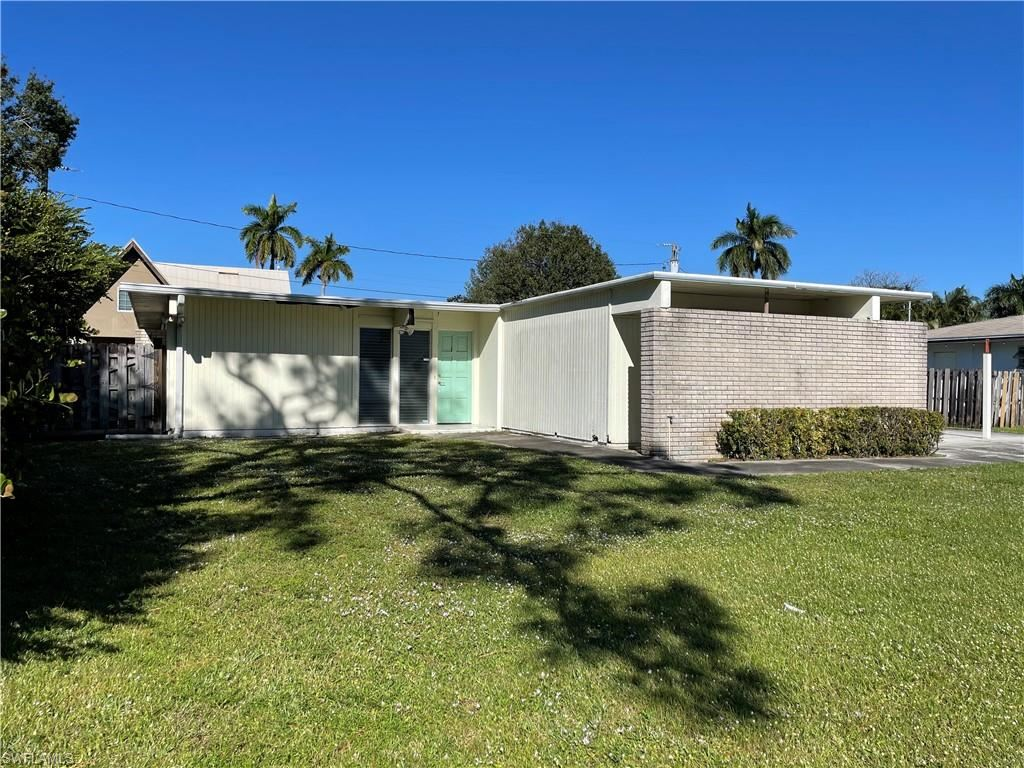 1599 Grove Avenue, Fort Myers, FL 33901 - #: 220080591
