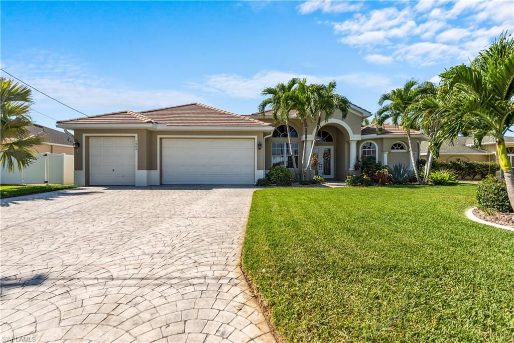 1404 SE 13th Terrace, Cape Coral, FL 33990 - #: 221027601