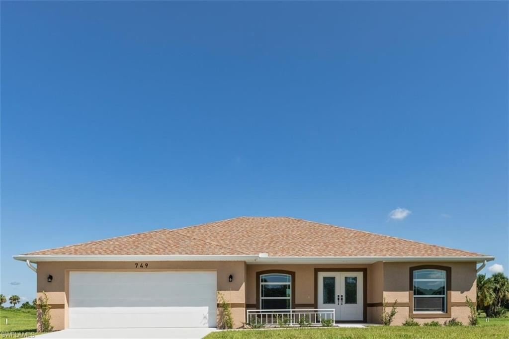 749 Mirror Lakes Drive, Lehigh Acres, FL 33974 - #: 220055604
