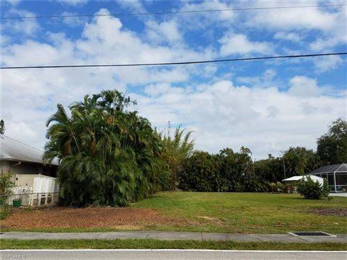 Photo of 15331 Thornton RD, FORT MYERS, FL 33908 (MLS # 219041608)