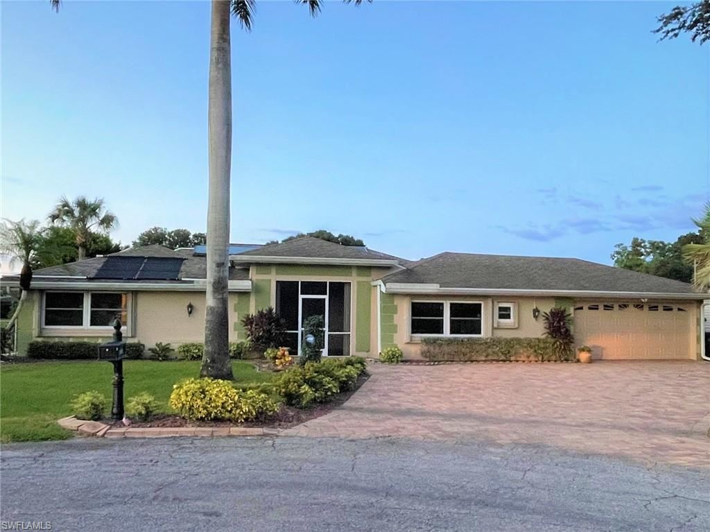 1808 Coral Circle, North Fort Myers, FL 33903 - #: 221070616