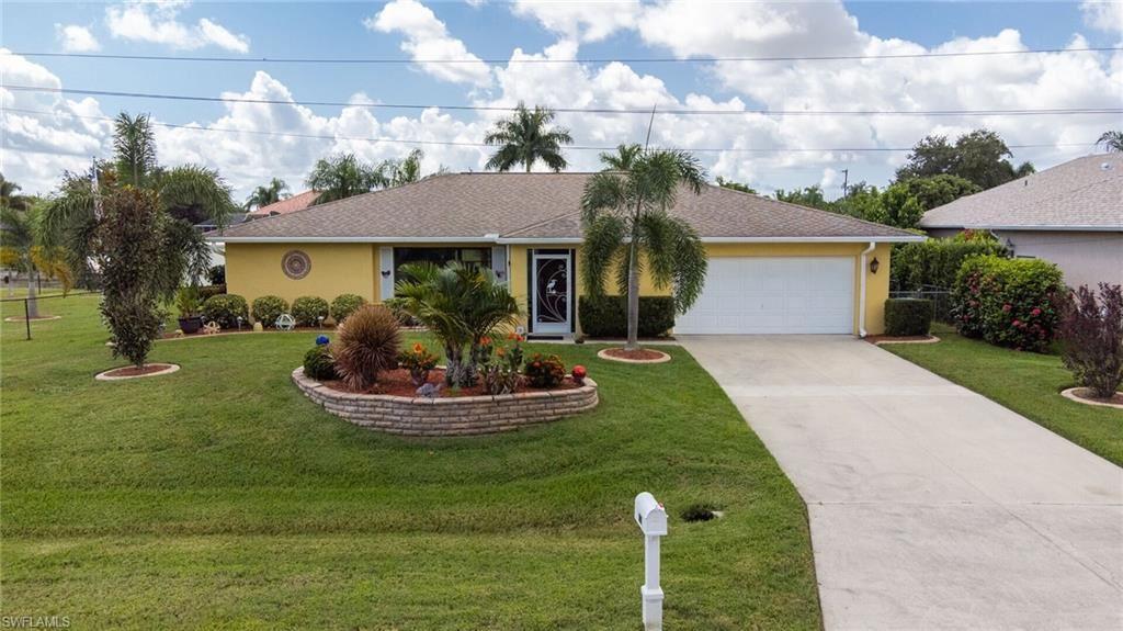 1016 SE 4th Terrace, Cape Coral, FL 33990 - #: 221065633