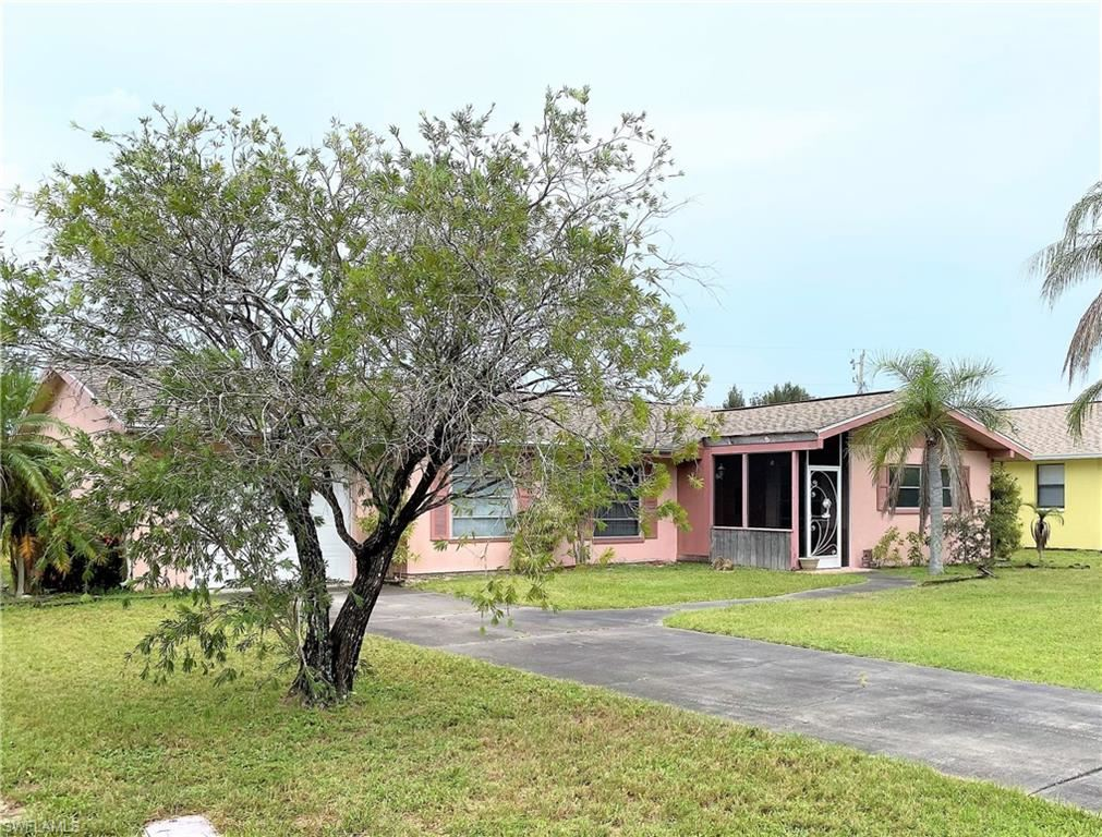 322 SW 23rd Terrace, Cape Coral, FL 33991 - #: 221065662