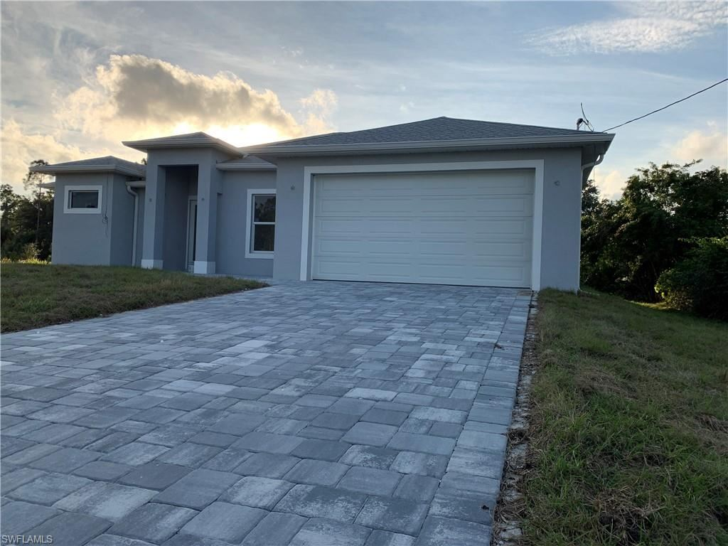 813 Lake Avenue, Lehigh Acres, FL 33972 - #: 220046674